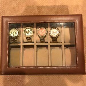 Accessories - Watch holder/jewelry holder